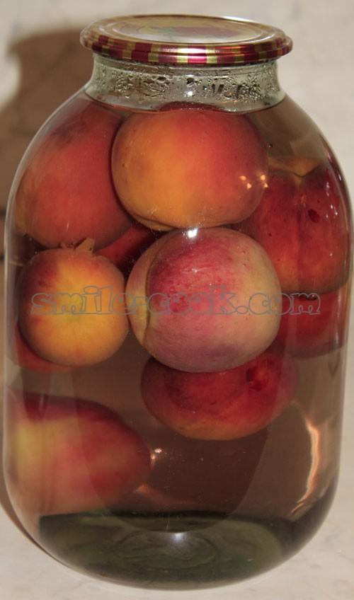 компот из персиков.