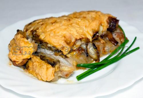 свиная отбивная с грибами под сырной корочкой