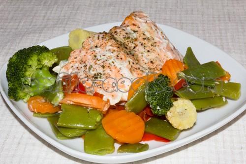 запеченная рыба с овощами в духовке рецепт с фото