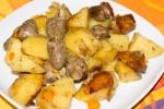 Куриные сердечки с картофелем, тушеные в мультиварке
