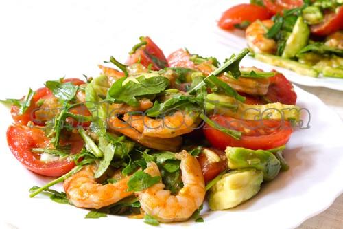 салат из креветок с рукколой и авокадо рецепт