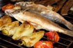 Рыба с овощами на гриле