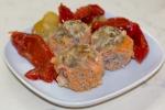 Тефтели, запеченные в томатно-сметанном соусе