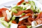 Салат из помидор, авокадо и феты