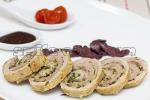 Рулет из свиной вырезки с орехами и ароматными травами
