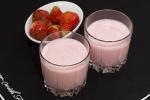 Желе из йогурта и клубники