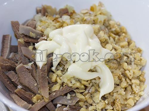 Закуски с языком и орехами