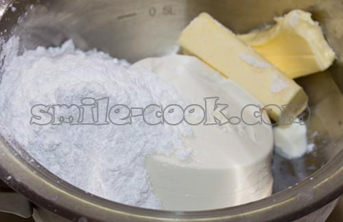 сыр, масло и сахарная пудра
